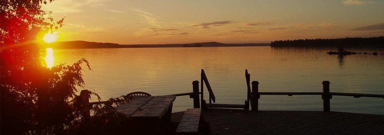 Kauniit auringonlaskut Rantawirkkulassa